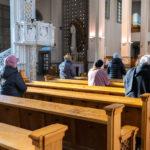 Uczestnicy Mszy świętej w intencji Rozstrzelanych z Pawiaka