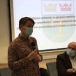 Skarbnik Gminy Teresin Agnieszka Rosa przedstawia zmiany w uchwale budżetowej