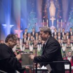 Gwardian Niepokalanowa o. Mariusz Słowik i maestro Jacek Boniecki