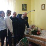 Podczas spotkania z wójtem Gminy Teresin uczestniczyli również bliscy Jubilatki.