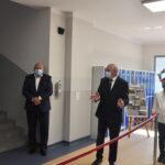 Dyrektor Grzegorz Fabiszak przedstawił etapy powstawania nowego skrzydła szkoły