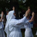 Do radosnego tańca włączyła się pomysłodawczyni i organizatorka s. Adriana Kotowicz.