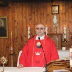 Nabożeństwu przewodniczył o. Wiesław Koc – gminny kapelan strażaków