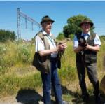 Panowie Tomasz Brzeski i Marek Misiak przekazali dzieciom informacje dotyczące przebywania i żerowania kuraków.