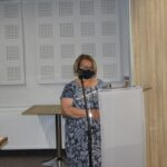 Joanna Szymańska kierownik referatu mienia iśrodowiska przedstawiła projekt uchwały dotyczący nadania nazwy ulicy Szafirowej w Granicach