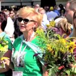 15 sierpnia, bezpośrednio po Mszy św. odbyło się święcenie kwiatów, owoców i ziół (fot. NiepokalanówTV)