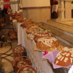 Chleby dożynkowe wypieczone z mąki z tegorocznych zbiorów